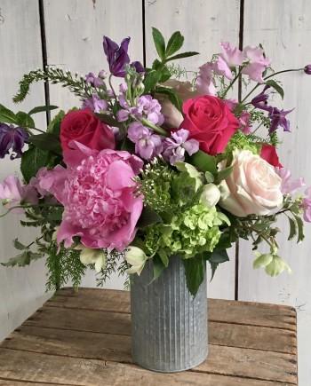 Flowers Online: Farmhouse Glam Arrangement